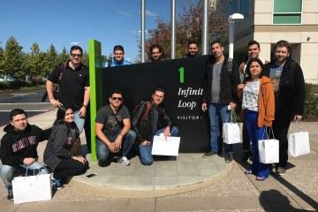 Grupo do MM Tour V na placa de 1 Infinite Loop