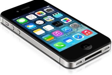 iPhone 4s deitado, rodando o iOS 7