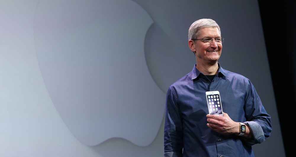 Tim Cook apresentando o iPhone 6/6 Plus e o Apple Watch