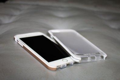 Capa Evo Elite para iPhones, da tech21