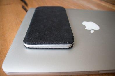 Capa de couro UltraSlim para iPhones Plus, da Sena