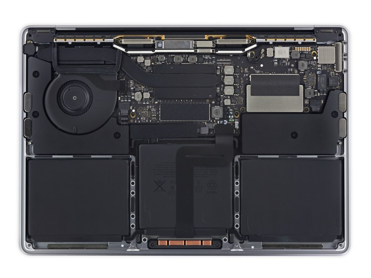 Desmonte do iFixit do novo MacBook Pro de 13