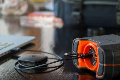 Cabo retrátil Micro-USB/USB com adaptador Lightning, da Griffin