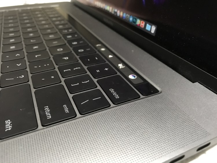 MacBook Pro com Touch Bar