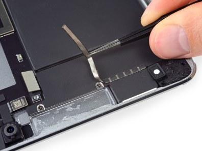 """iPad Pro de 10,5"""" desmontado pela iFixit"""