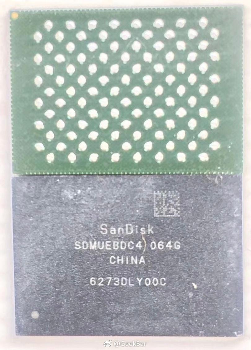 "Suposto módulo de 64GB da SanDisk que equipará o ""iPhone 8"""