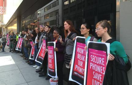 Protestos para apoiar a Apple contra o FBI