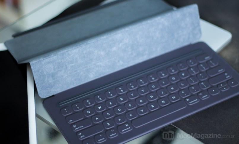 Apple Smart Keyboard no iPad Pro (by MacMagazine)