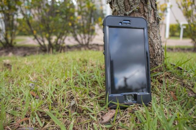 Capa NÜÜD à prova d'água para iPhones, da LifeProof