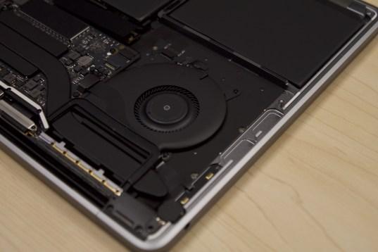 """Desmontagem do MacBook Pro de 13"""""""