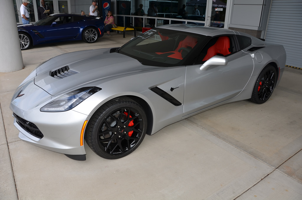 Corvette stingray 2018 фото