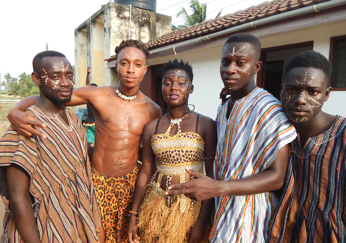 Kokayi Postell with Dancers