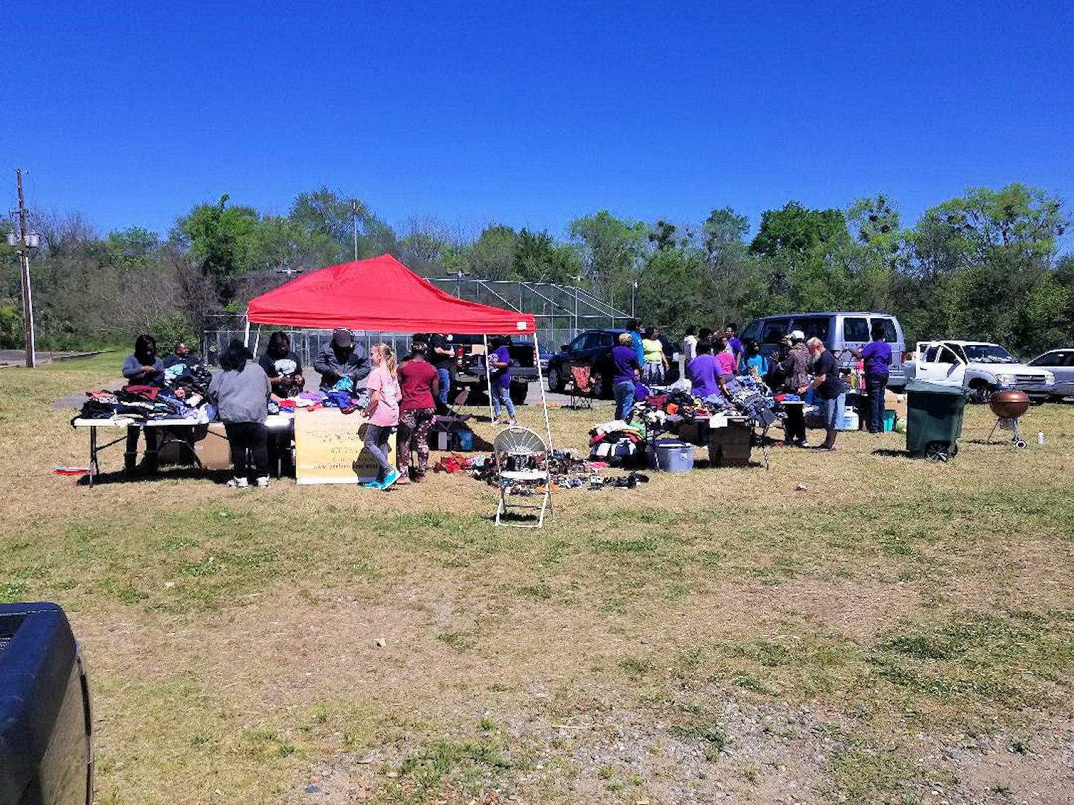 MCSP volunteers hand out food, clothing to needy families in Macon