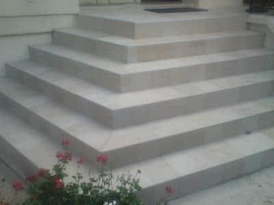 Carrelage sur escalier Carrelage escalier exterieur antiderapant
