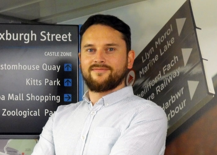 Flintshire sign company sees growth after joining Welsh leadership programme