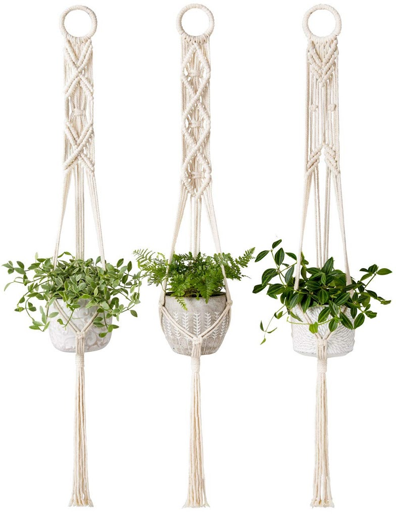 simple macrame plant hanger 2