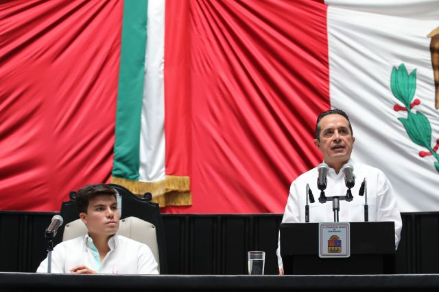 Gobernador en el Congreso de Quintana Roo