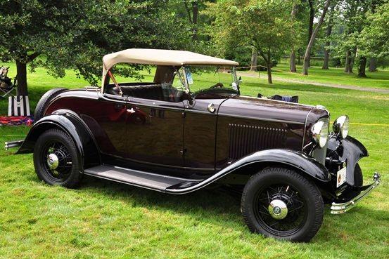 H. Lynn Stringer 1932 Ford V8 Deluxe Roadster