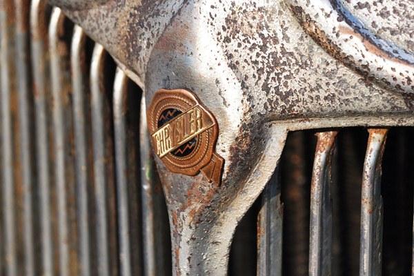 Chrysler seal