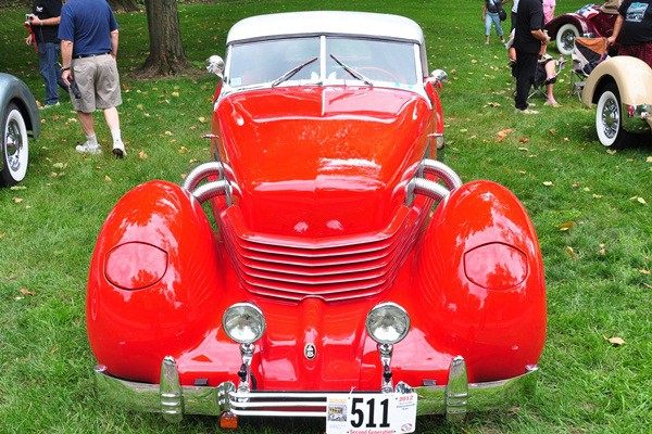 1937 Cord 812 front