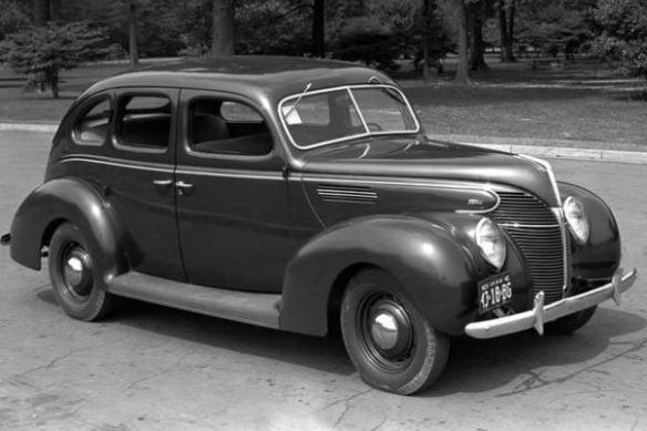 1939 Ford Standard Fordor Sedan