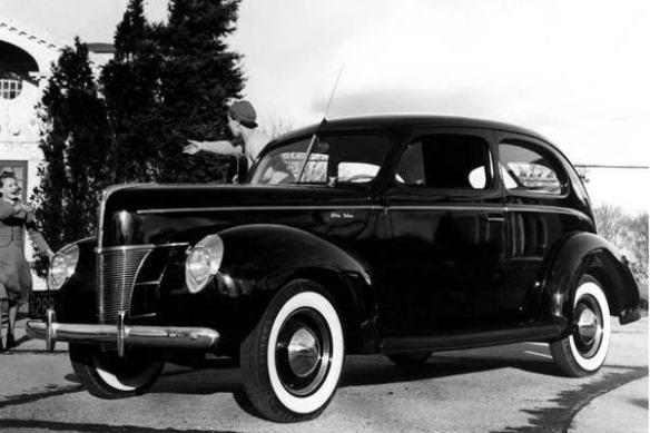 1940 Ford Deluxe Tudor Sedan