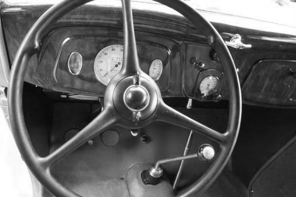 1934 Ford dash and bolt-in instruments