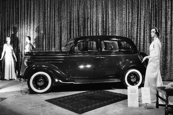 1936 Ford Fordor Touring Sedan