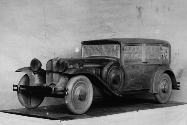1929 Ruxton Sedan wood prototype model