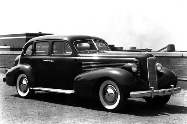 1937 LaSalle sedan