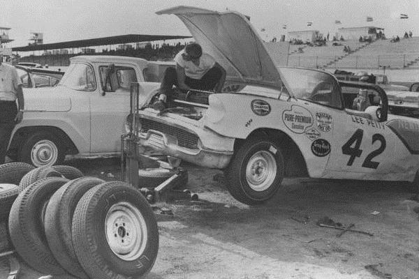 Lee Petty 1957 Olds pits Darlington