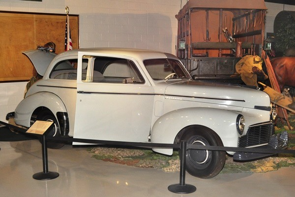 1942 Studebaker Champion Series 90 Sedan