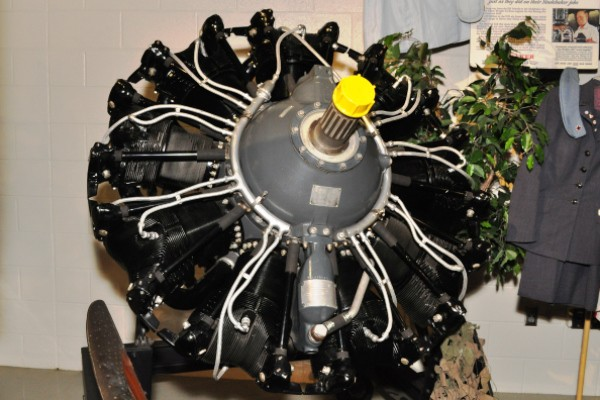 Wright Cyclone B-17 engine