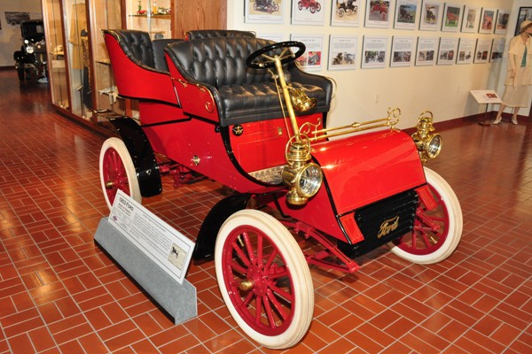 1903 Ford Model A rear entrance tonneau