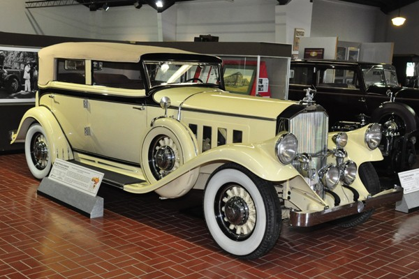 1932 Pierce-Arrow Model 54 Convertible Sedan
