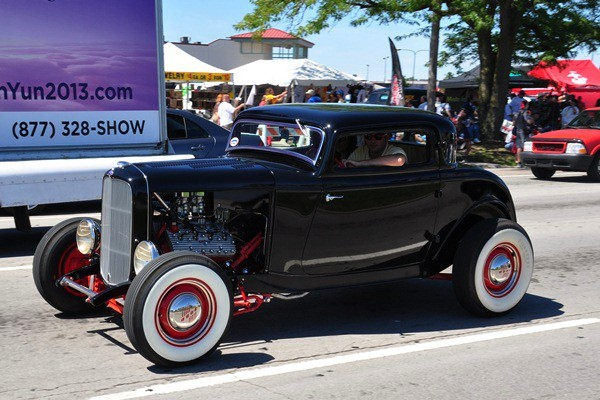 1932 Ford three-window coupe highboy