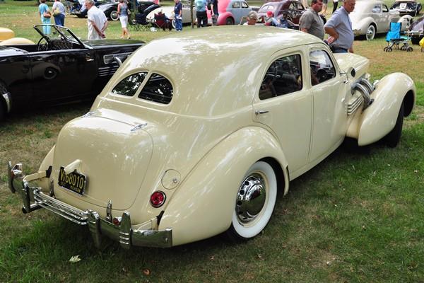 1937 Cord 812 SC Beverly Leslie Dreist rear