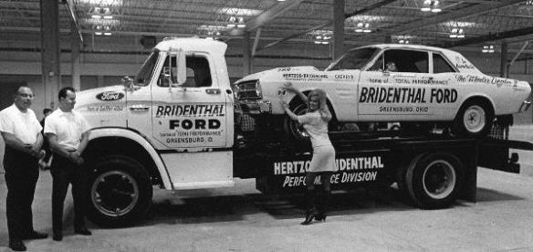 More vintage racecar transporters mac 39 s motor city garage for Motor city towing detroit