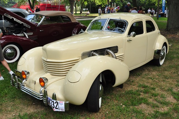 1937 Cord 812 SC Beverly Sedan Leslie Dreist