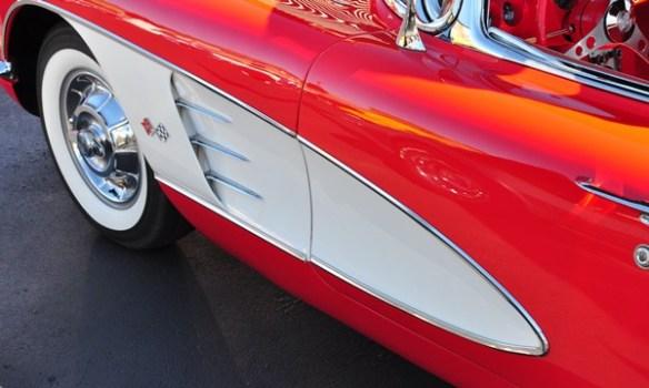 1958 Corvette left cove red-white