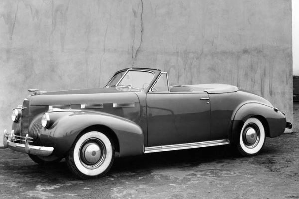 1940 LaSalle Series 52 Convertible Coupe