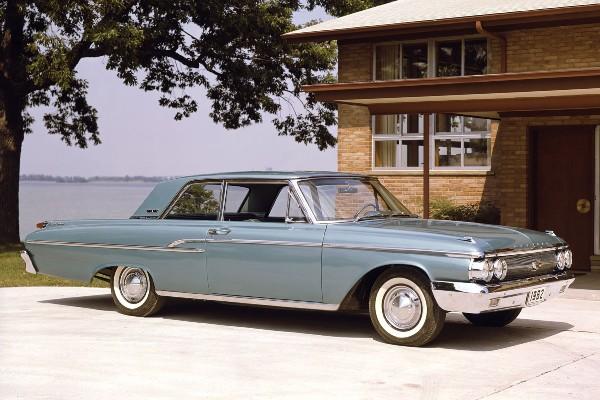 1962 Mercury Monterey two-door sedan