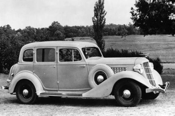 1936 Auburn 654 Sedan