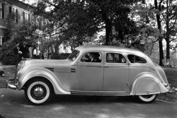 1936 Chrysler Airflow Imperial 4 Dr Sedan