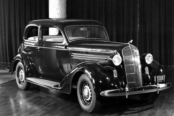 1936 Dodge D2 sedan