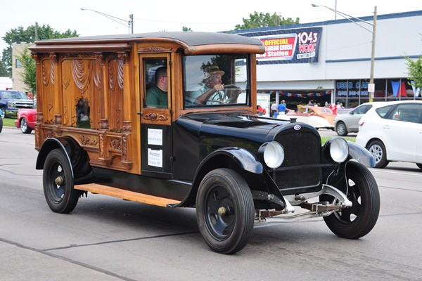 1920s Meteor Carved-Side Hearse