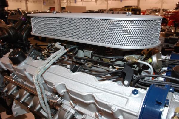 Cadillac V12 carburetors and cam cover