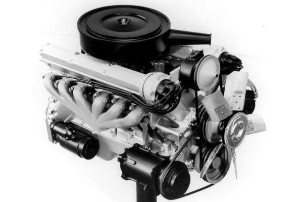 Cadillac prototype V12 right front 1960s photo