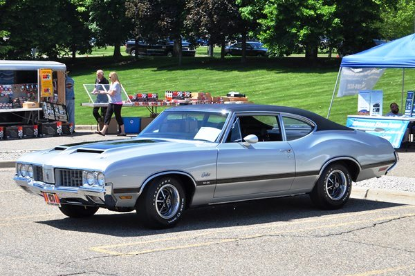 1970 Oldsmobile Cutlass W-31 Sports Coupe