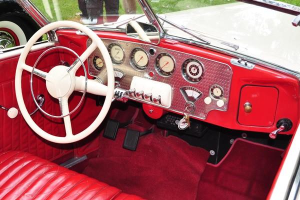 1937 Cord 812 dash